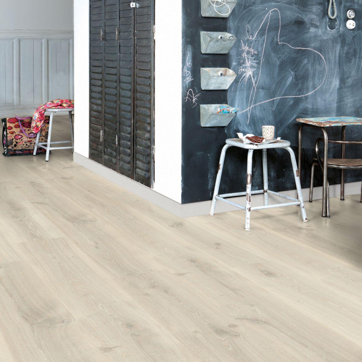 stratifi chene blanchi finest carrelage imitation parquet. Black Bedroom Furniture Sets. Home Design Ideas
